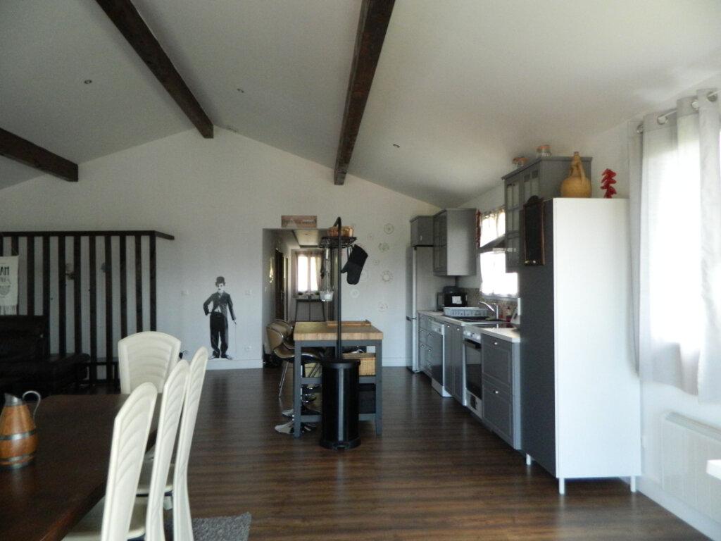 Maison à vendre 8 260m2 à Reventin-Vaugris vignette-7
