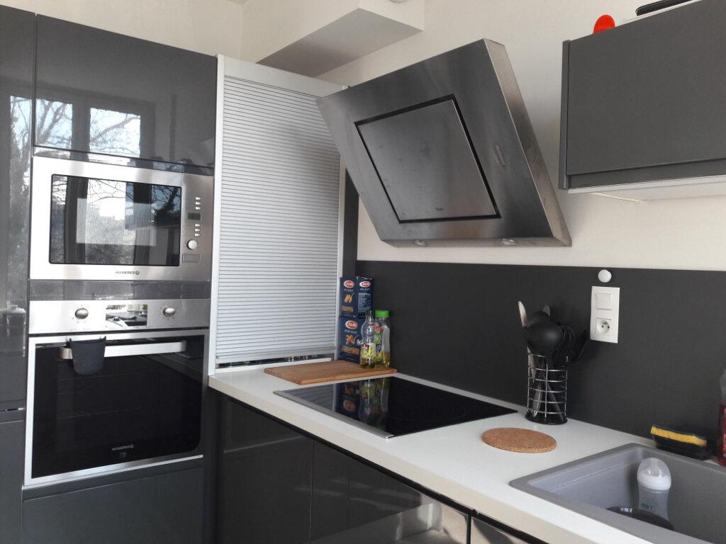 Appartement à louer 3 71.7m2 à Vienne vignette-1