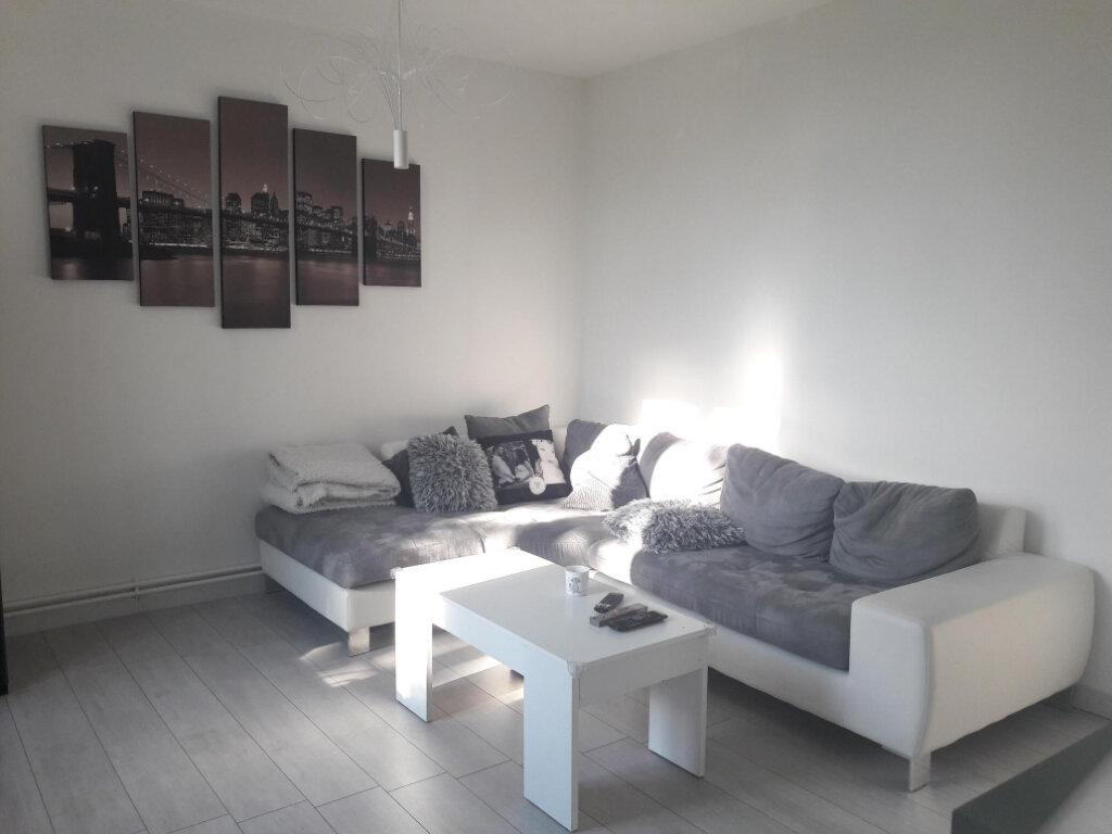 Appartement à louer 3 71.7m2 à Vienne vignette-2
