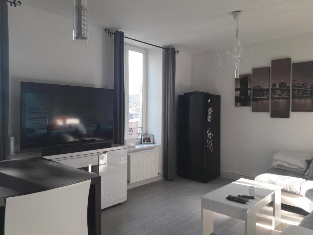 Appartement à louer 3 71.7m2 à Vienne vignette-3