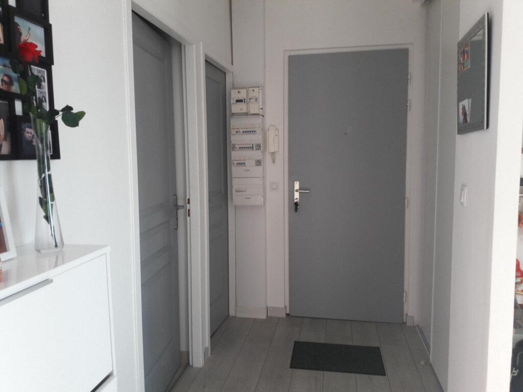 Appartement à louer 3 71.7m2 à Vienne vignette-8