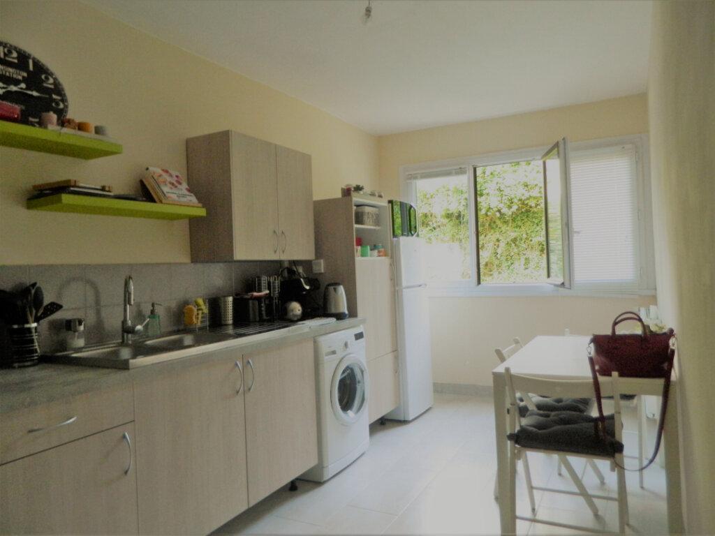 Appartement à vendre 4 79.65m2 à Pont-Évêque vignette-1