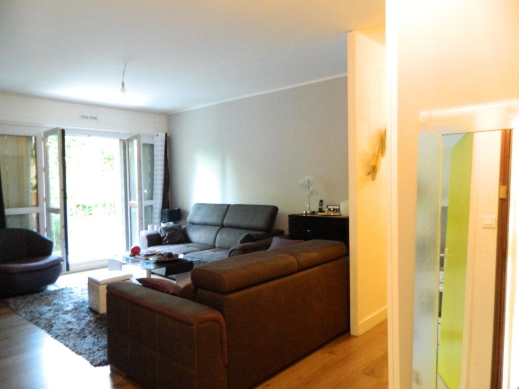 Appartement à vendre 4 79.65m2 à Pont-Évêque vignette-2
