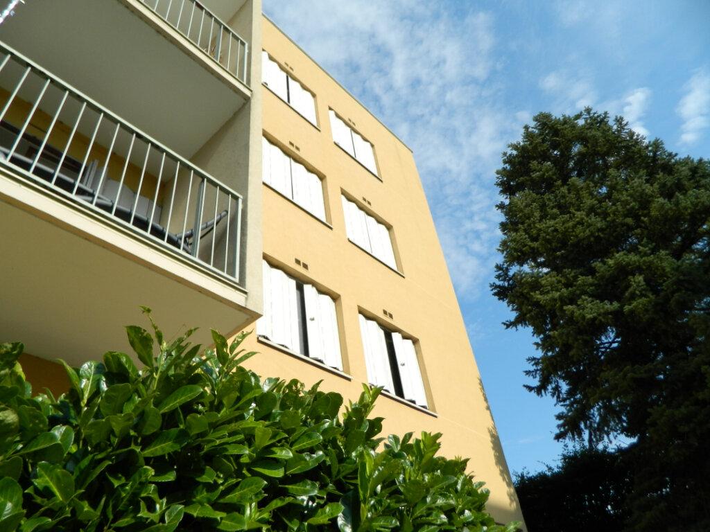 Appartement à vendre 4 79.65m2 à Pont-Évêque vignette-3