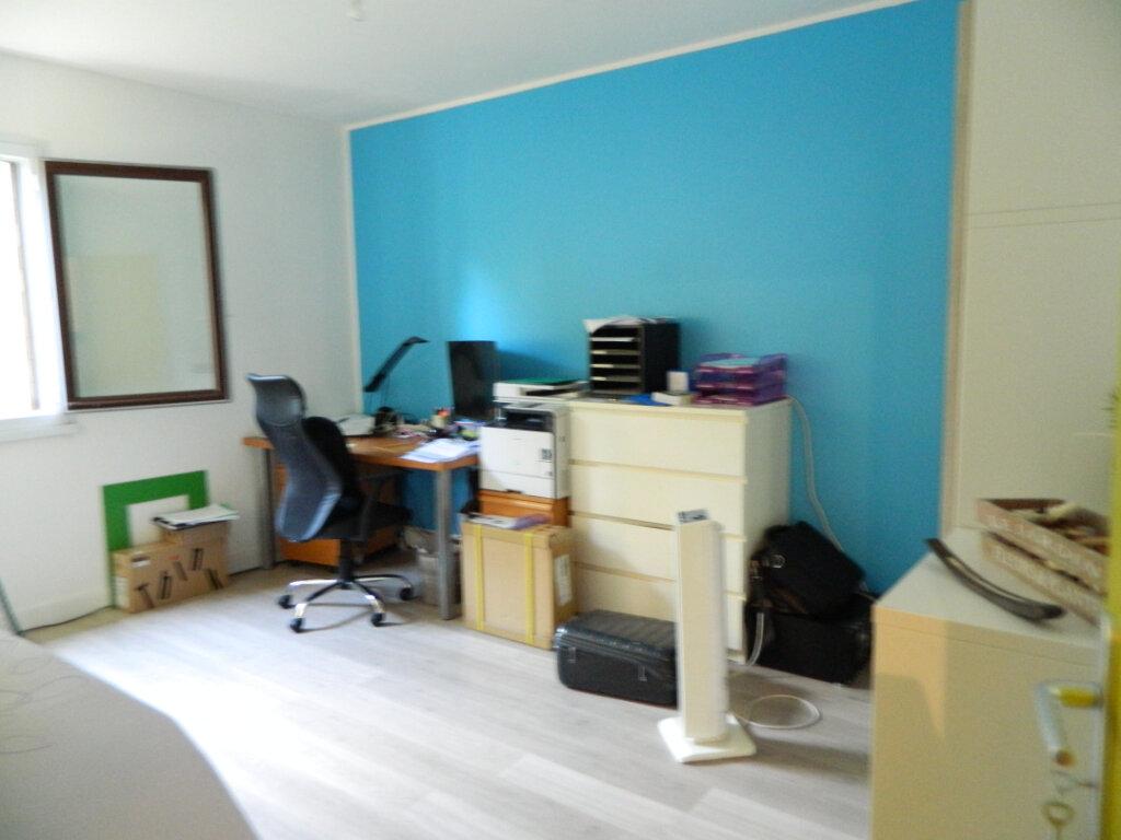Appartement à vendre 4 79.65m2 à Pont-Évêque vignette-8