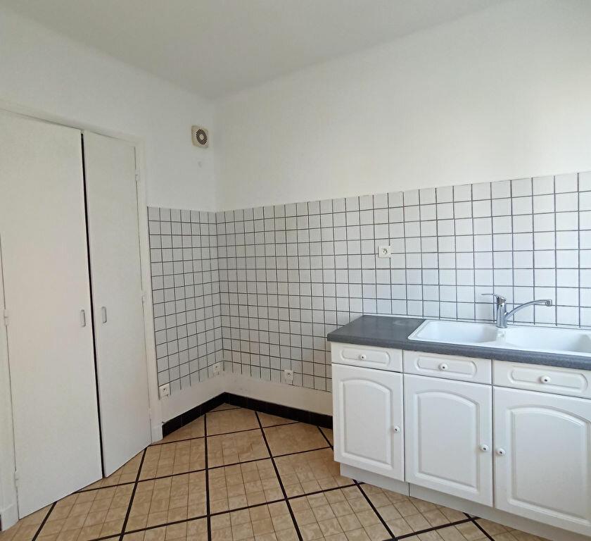 Appartement à louer 3 65m2 à Vienne vignette-2
