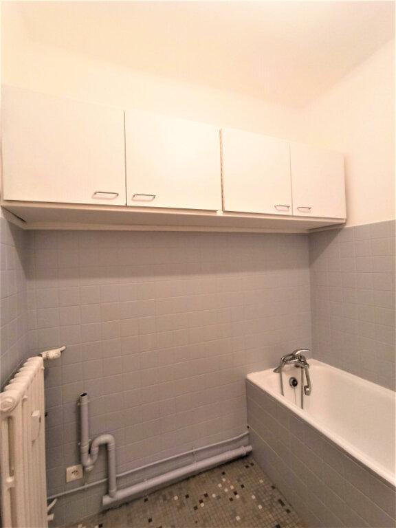 Appartement à louer 3 65m2 à Vienne vignette-7