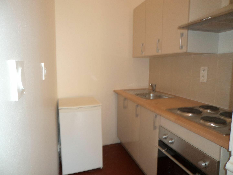 Appartement à louer 1 33m2 à Grasse vignette-2