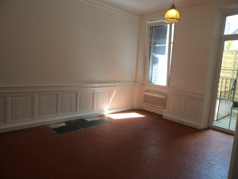 Appartement à louer 1 33m2 à Grasse vignette-5