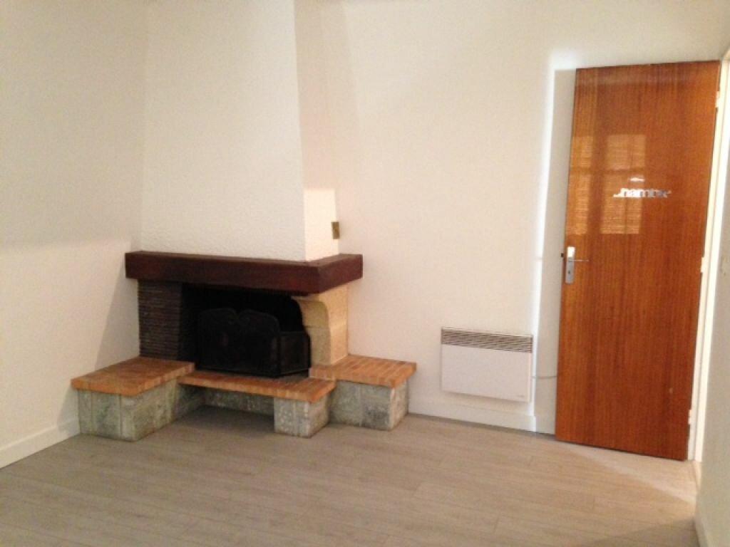 Appartement à louer 1 37.91m2 à Saint-Martin-du-Var vignette-1