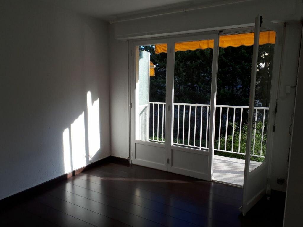 Appartement à louer 2 43.37m2 à Le Cannet vignette-3