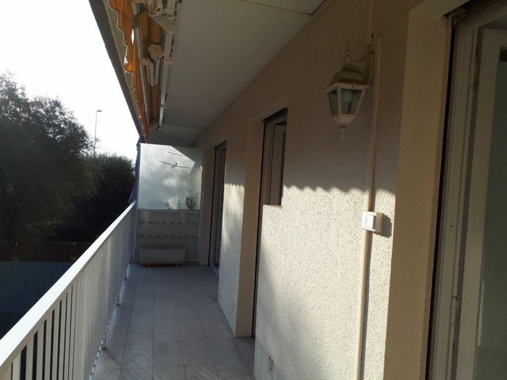 Appartement à louer 2 43.37m2 à Le Cannet vignette-4