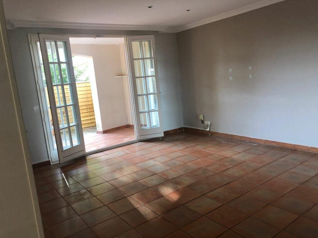 Appartement à louer 3 77.51m2 à Mougins vignette-2