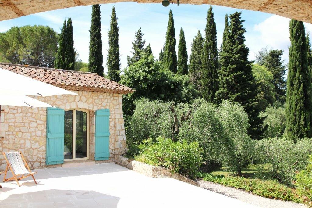 Maison à louer 7 270m2 à Grasse vignette-2