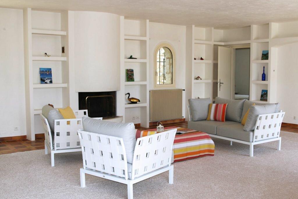 Maison à louer 7 270m2 à Grasse vignette-4