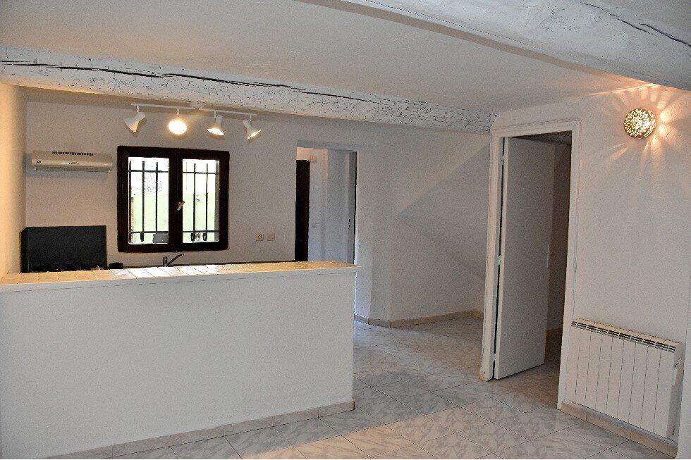 Appartement à louer 2 36.9m2 à Mouans-Sartoux vignette-1