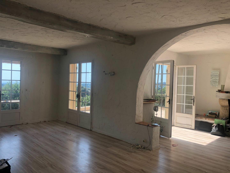 Maison à louer 4 120m2 à Vallauris vignette-3