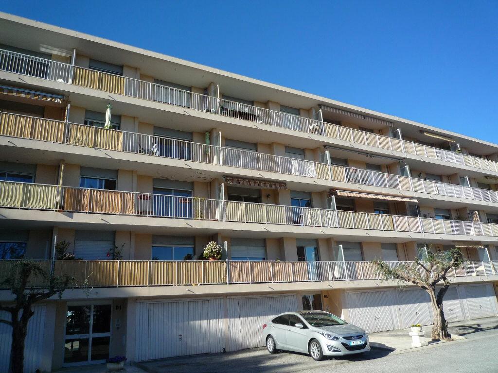 Appartement à louer 2 48.4m2 à Grasse vignette-1