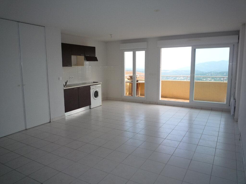 Appartement à louer 3 63.69m2 à Grasse vignette-5