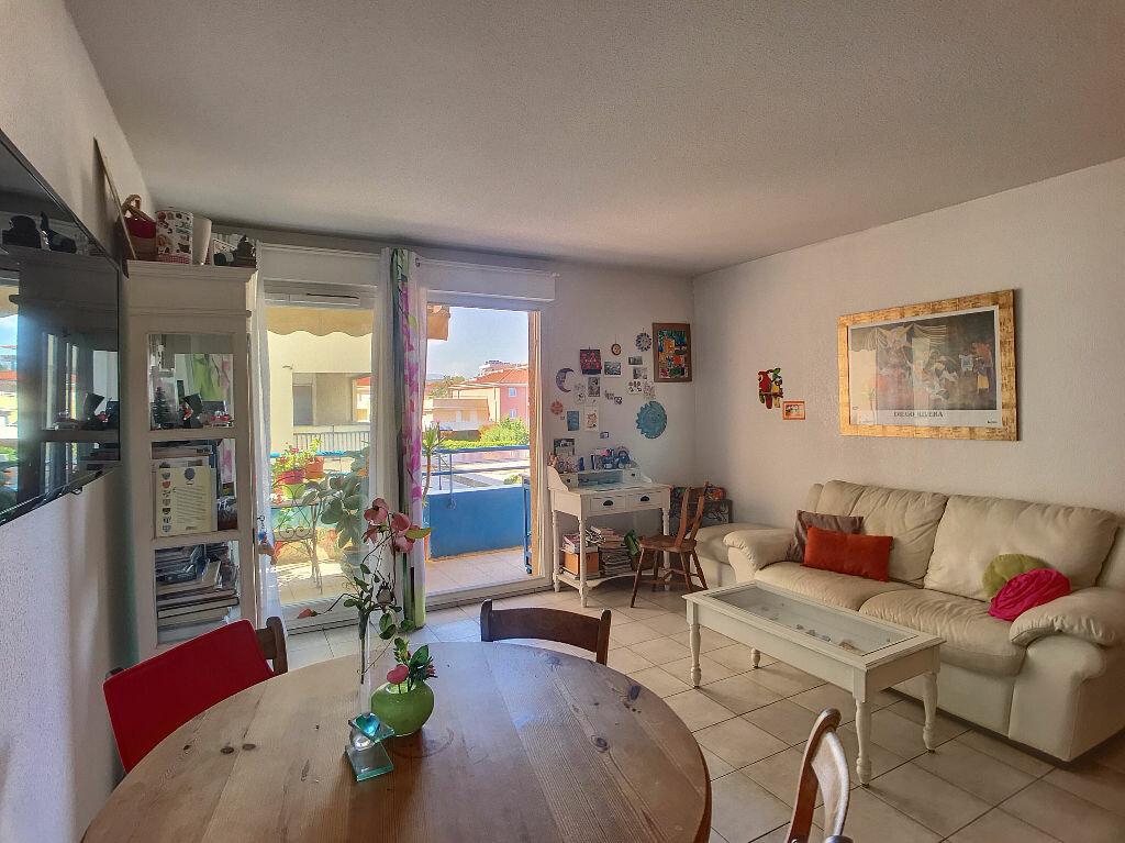 Appartement à vendre 2 40m2 à Antibes vignette-4