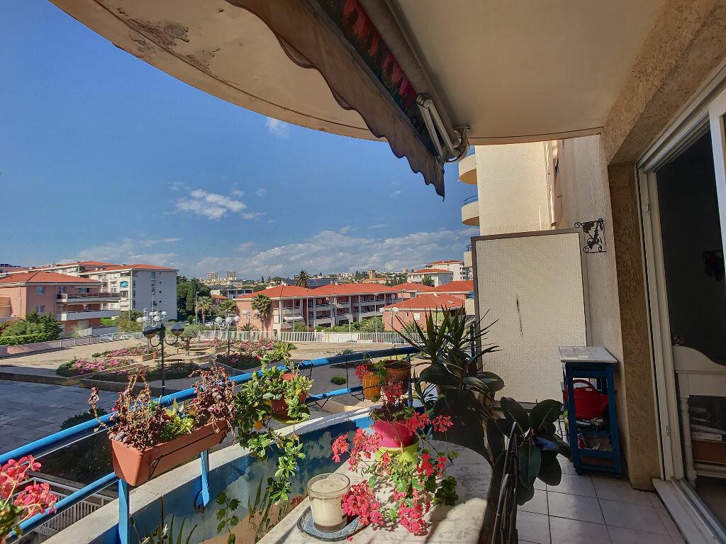 Appartement à vendre 2 40m2 à Antibes vignette-6