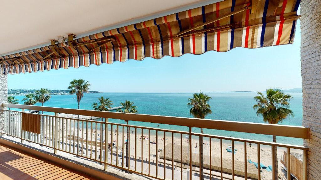 Appartement à vendre 2 58.9m2 à Juan-les-Pins - Antibes vignette-1
