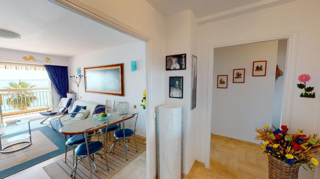 Appartement à vendre 2 58.9m2 à Juan-les-Pins - Antibes vignette-3