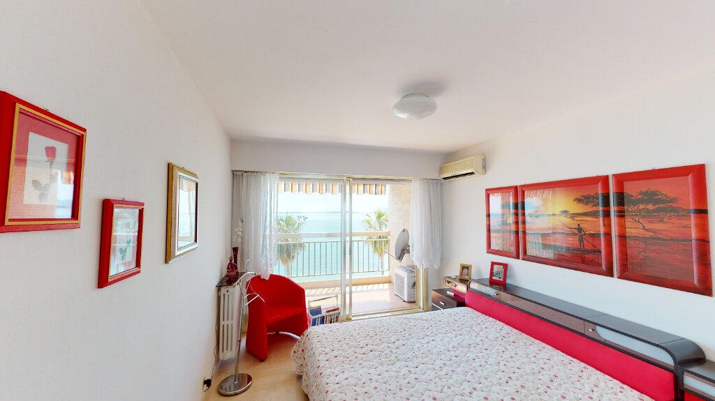 Appartement à vendre 2 58.9m2 à Juan-les-Pins - Antibes vignette-4