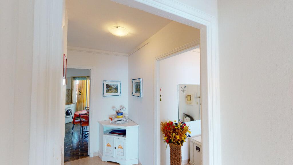 Appartement à vendre 2 58.9m2 à Juan-les-Pins - Antibes vignette-6