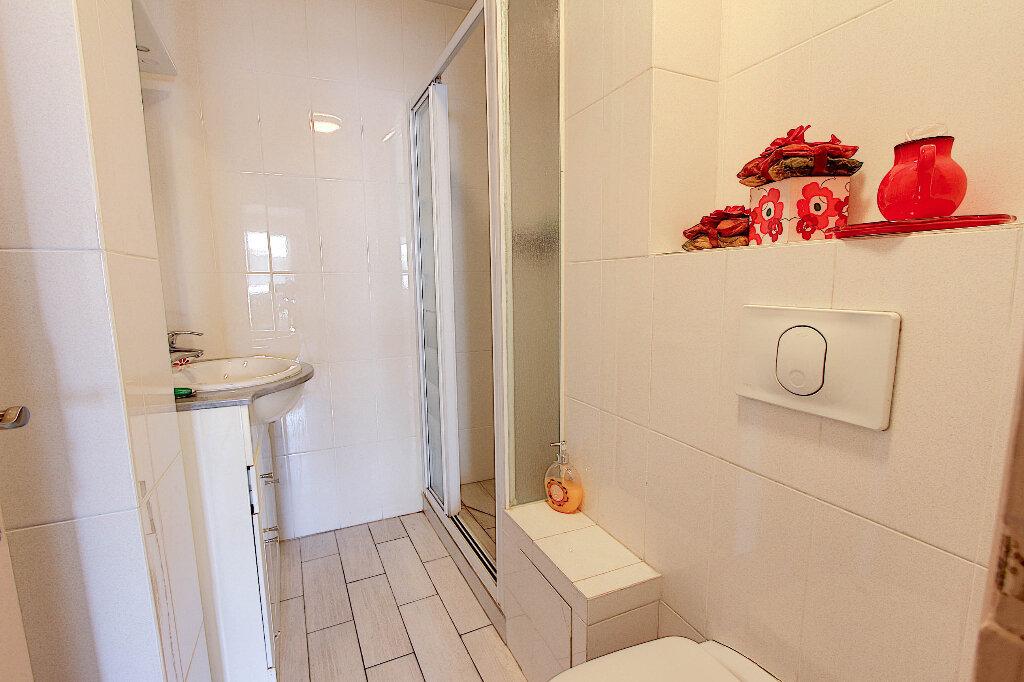 Appartement à vendre 3 70m2 à Juan-les-Pins - Antibes vignette-7