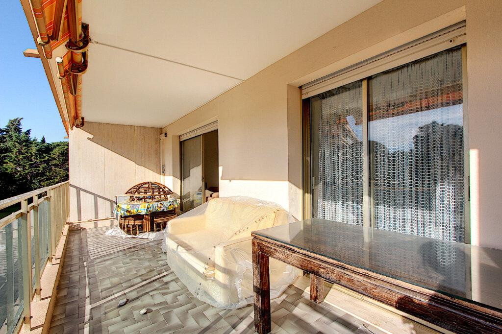 Appartement à vendre 3 71m2 à Antibes vignette-1