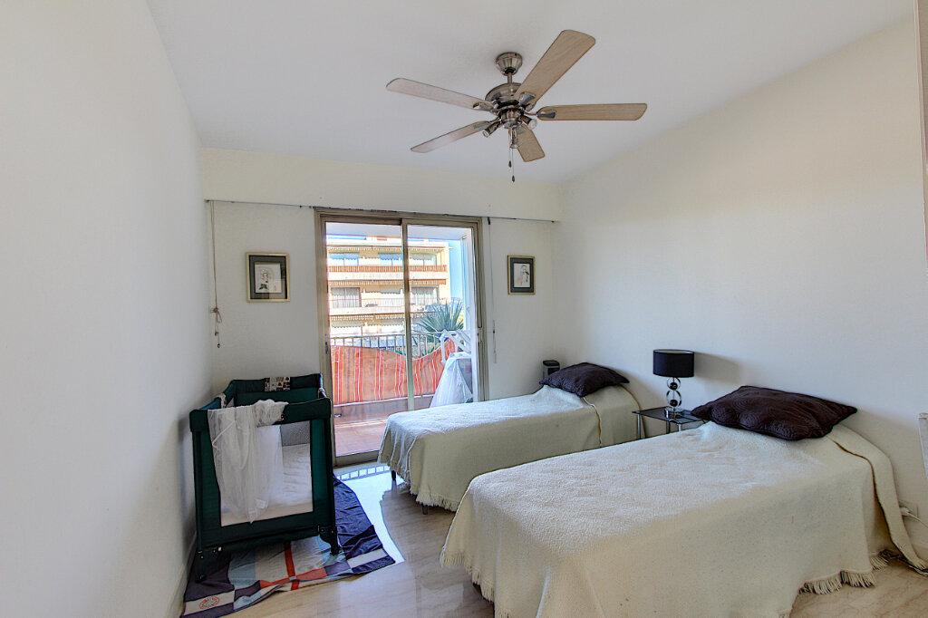 Appartement à vendre 3 71m2 à Antibes vignette-8