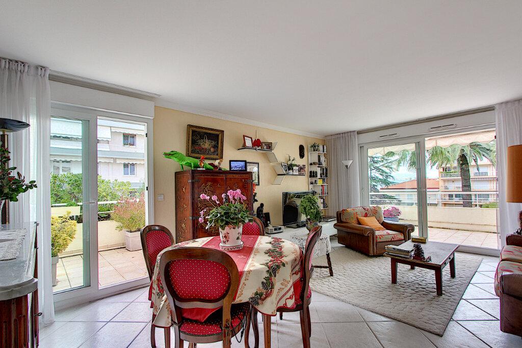 Appartement à vendre 4 98m2 à Juan-les-Pins - Antibes vignette-2