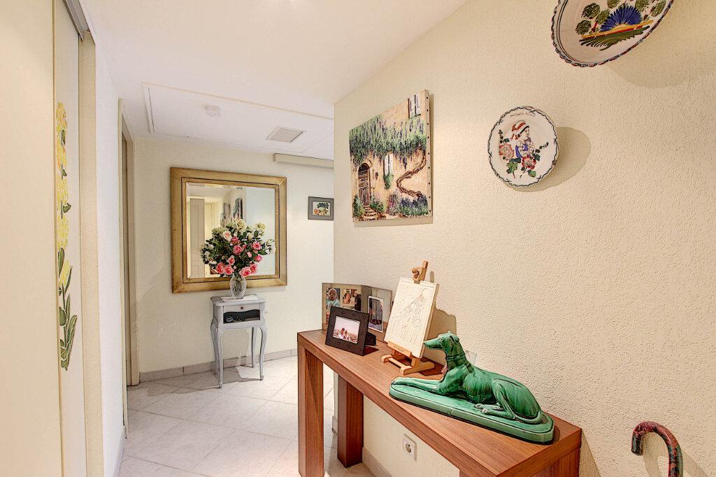 Appartement à vendre 4 98m2 à Juan-les-Pins - Antibes vignette-4