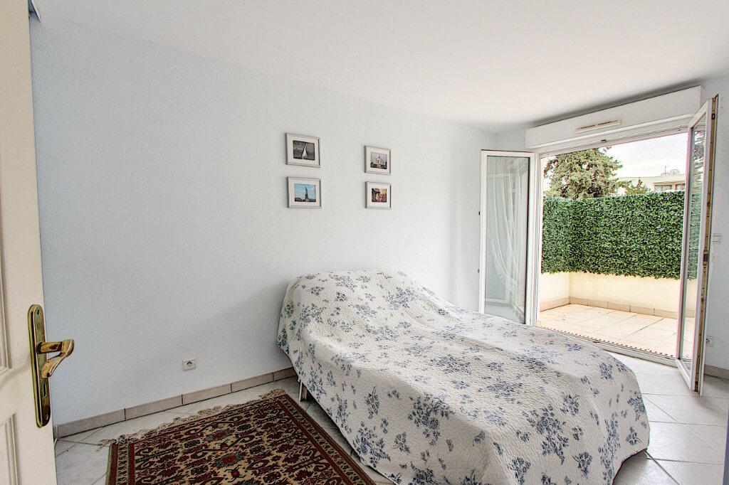 Appartement à vendre 4 98m2 à Juan-les-Pins - Antibes vignette-7