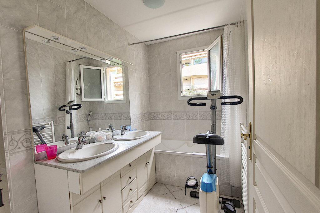 Appartement à vendre 4 98m2 à Juan-les-Pins - Antibes vignette-8