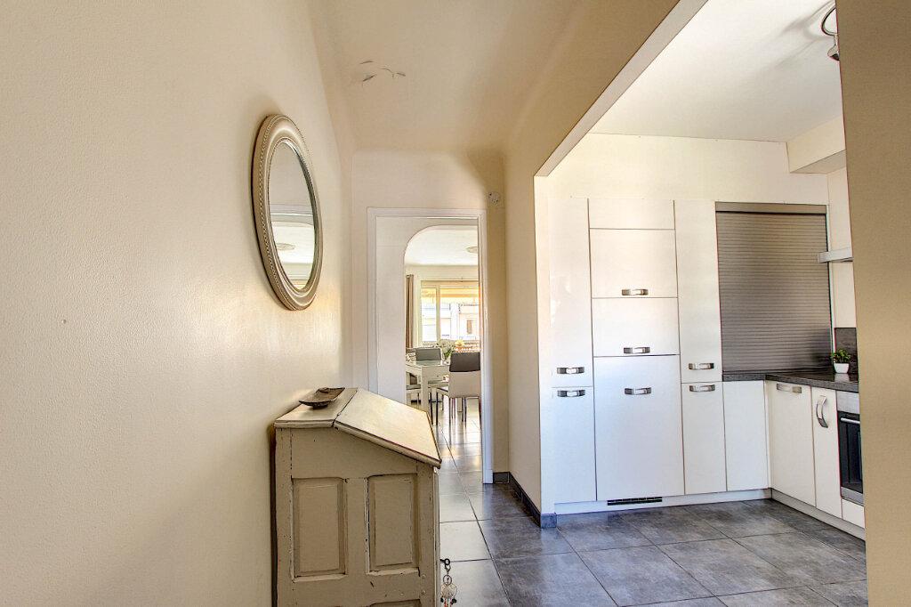 Appartement à vendre 3 67m2 à Juan-les-Pins - Antibes vignette-6