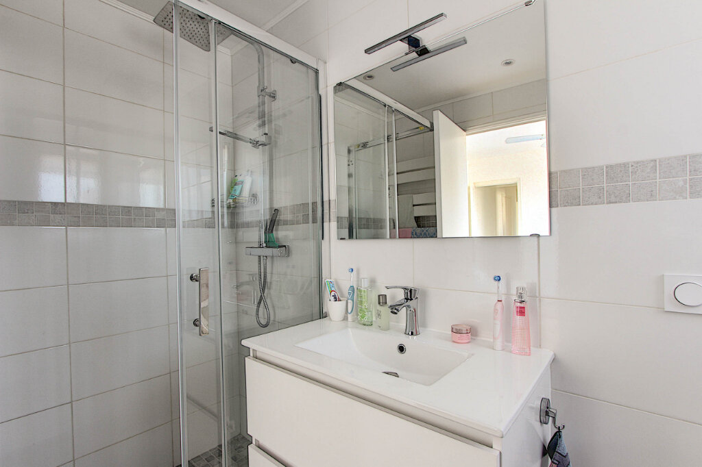 Appartement à vendre 2 48m2 à Juan-les-Pins - Antibes vignette-7