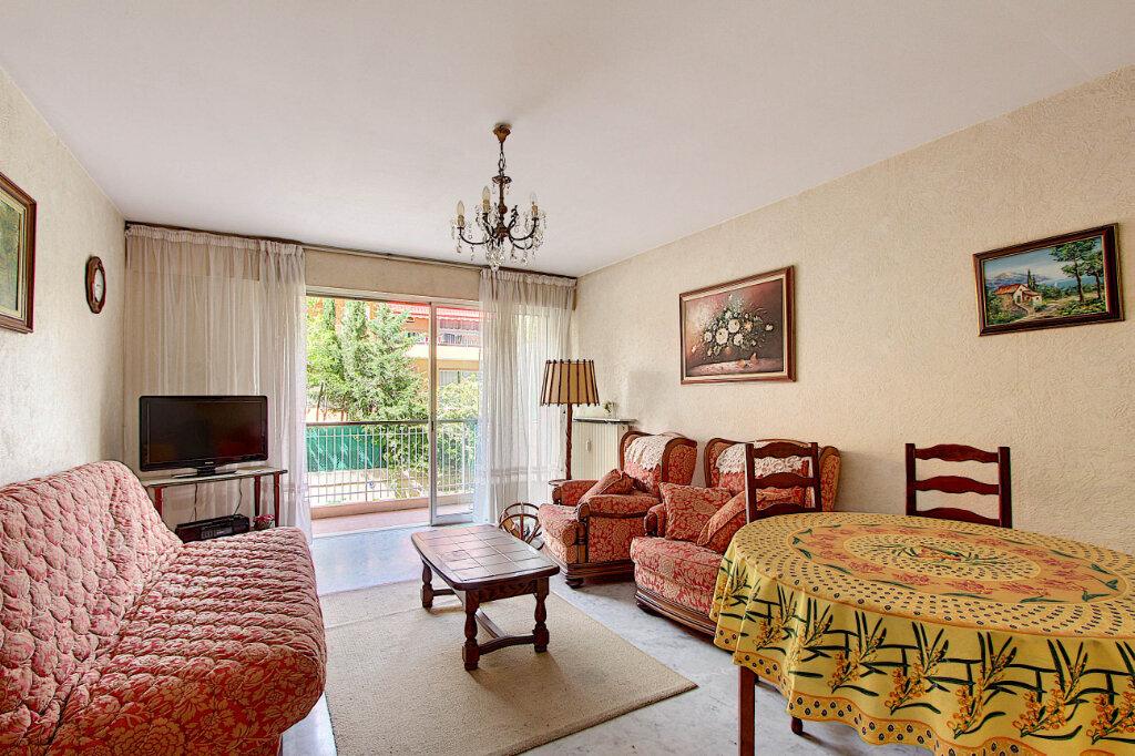 Appartement à vendre 2 58m2 à Juan-les-Pins - Antibes vignette-2