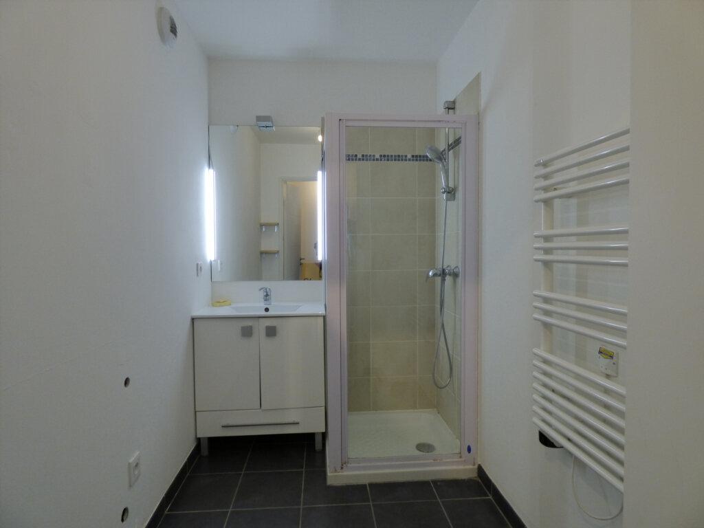 Appartement à louer 2 39.89m2 à Antibes vignette-6