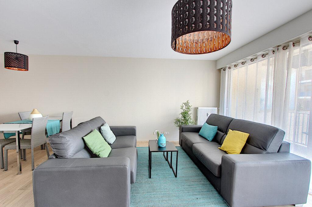 Appartement à vendre 2 60.35m2 à Juan-les-Pins - Antibes vignette-3