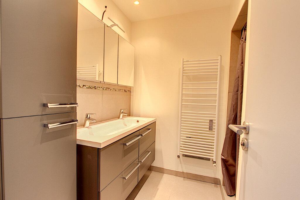 Appartement à vendre 2 60.35m2 à Juan-les-Pins - Antibes vignette-5
