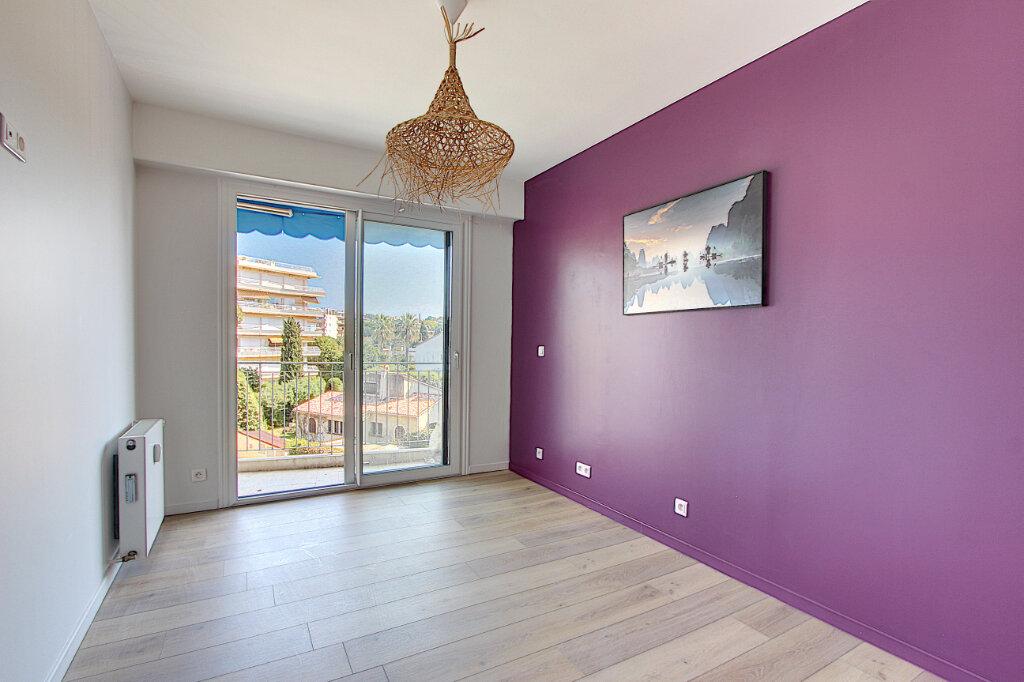 Appartement à vendre 2 60.35m2 à Juan-les-Pins - Antibes vignette-6