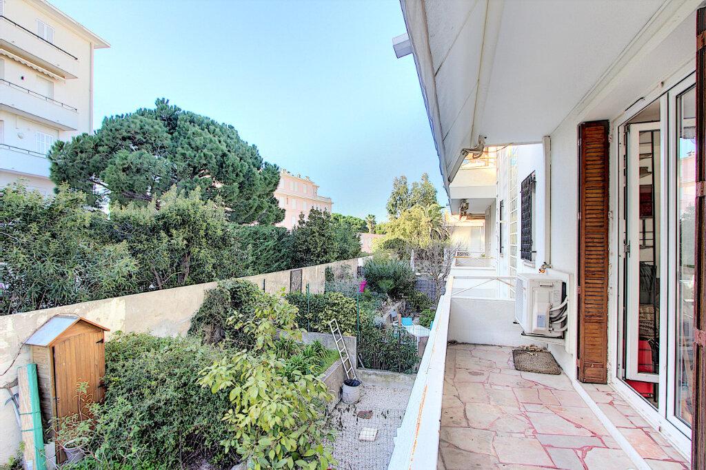 Appartement à vendre 2 40.36m2 à Cannes vignette-3