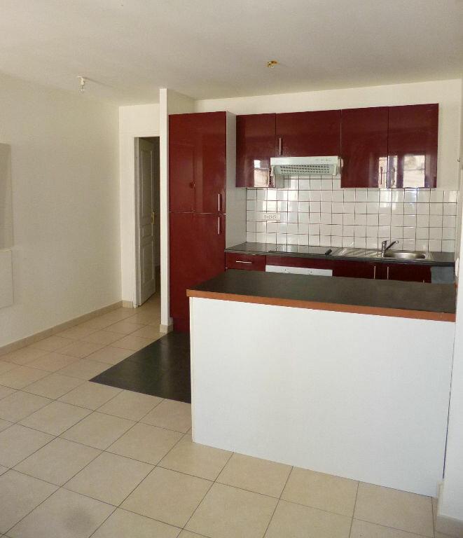 Appartement à louer 2 35m2 à Vallauris vignette-2