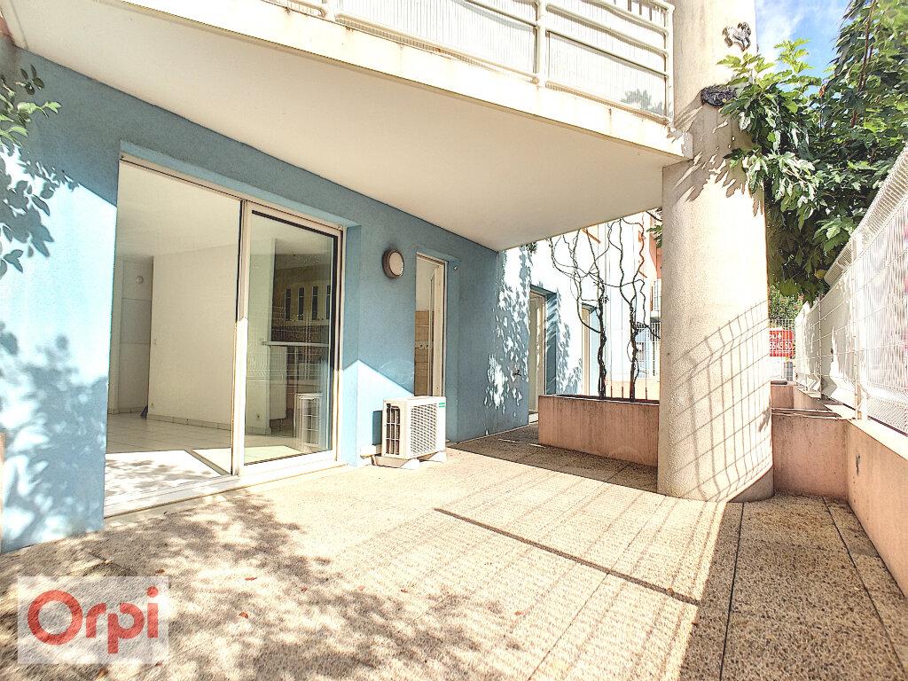 Appartement à louer 3 62.64m2 à Vallauris vignette-1