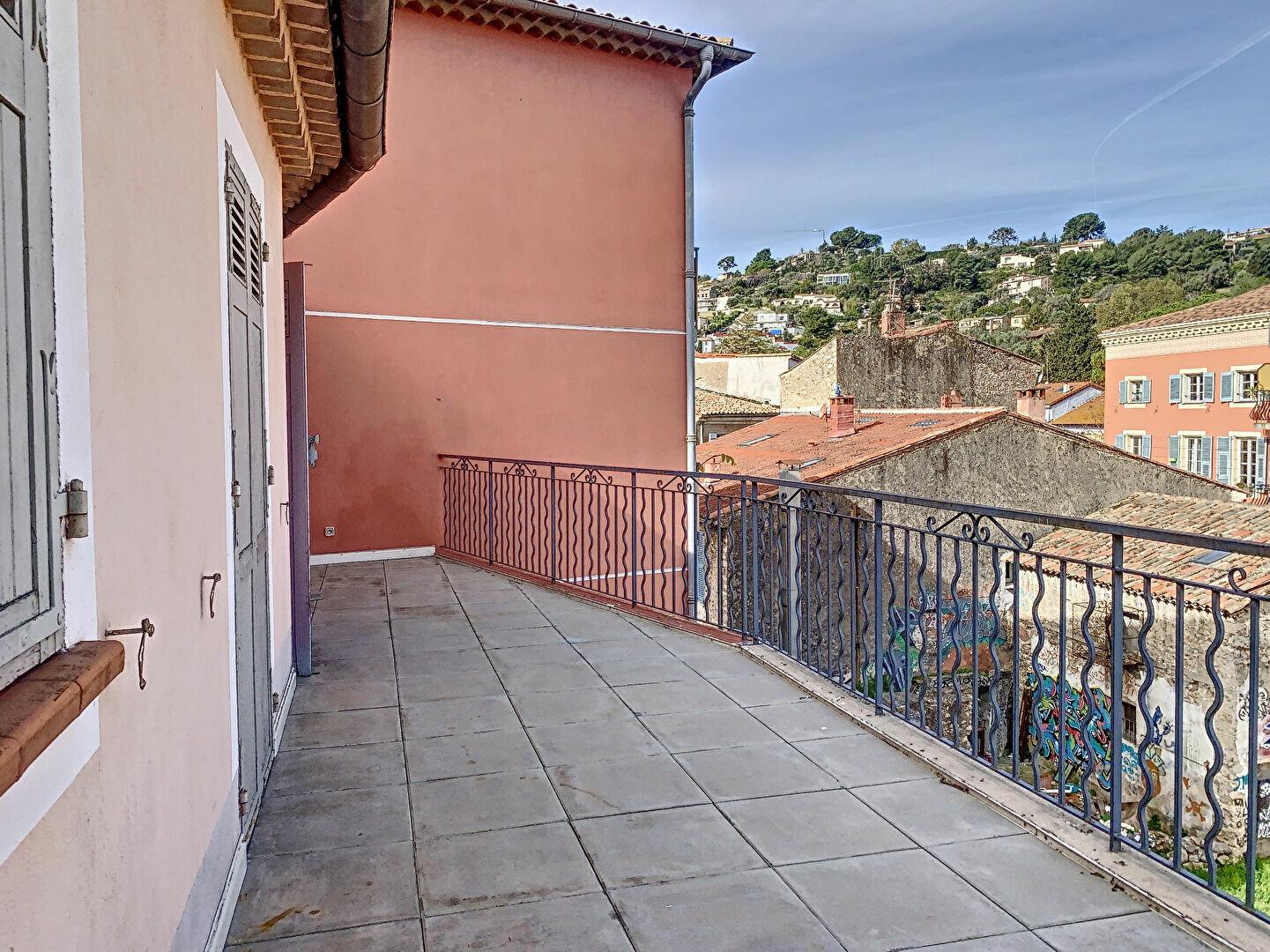 Appartement à louer 3 58.63m2 à Vallauris vignette-2