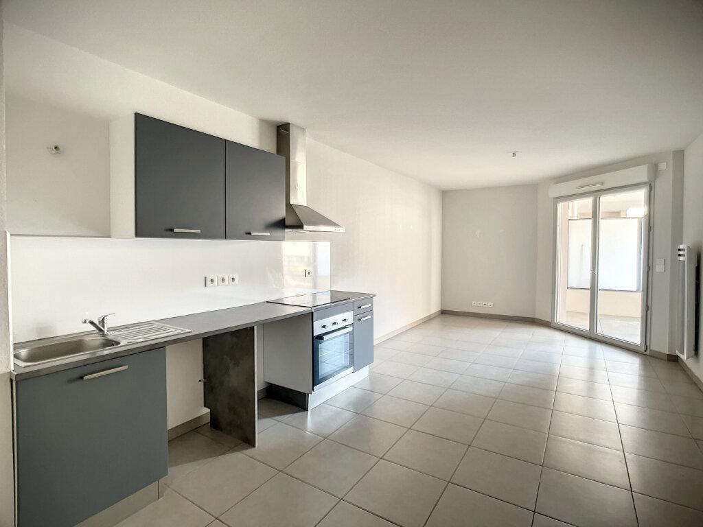 Appartement à louer 2 44.1m2 à Vallauris vignette-2