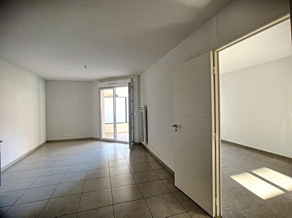 Appartement à louer 2 44.1m2 à Vallauris vignette-4