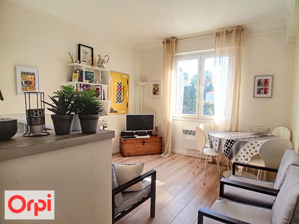 Appartement à vendre 3 57.14m2 à Cannes vignette-1